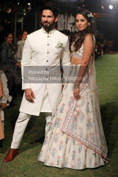 Wedding cloth wedding outfits for men Blazer For Men Wedding, Indian Wedding Clothes For Men, Sherwani For Men Wedding, Wedding Outfits For Groom, Desi Wedding Dresses, Groom Wedding Dress, Indian Wedding Outfits, Bridal Outfits, Groom Dress