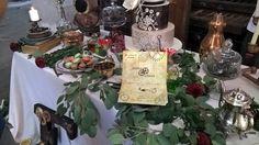 Buenos días desde la luna! Hoy os quiero mostrar el resultado de un encargo muy especial. Colaboro con la weddingplanner Magna Eventspara realizar diseños para invitaciones, folletos, cartelería y…