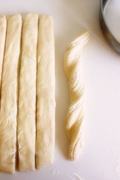 Topi se u ustima: Lisnata pogača sa sirom Pita Recipes, Greek Recipes, Snack Recipes, Cooking Recipes, Snacks, Greek Pastries, Bread And Pastries, Eat Greek, Biscotti Cookies