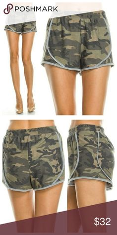 🆕️ camoflauge print shorts Camoflauge print shorts with elastic waistband  90% polyester 7% Rayon 3% spandex Made in USA   Please allow 2-5 days for shipping Shorts