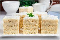 Ciasto aniołek to warstwowy deser na bazie placków amoniakowych i kremu śmietanowego. Leciutkie, delikatne jak puszek ciasto o przepysznym i słodkim smaku. Catering Food, Vanilla Cake, Cookies, Baking, Recipes, Diet, Mascarpone, Crack Crackers, Biscuits