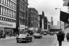 Down the decades: See how Market Street has changed since 1900 - Manchester Evening News Manchester Library, Manchester New, Manchester England, High Street Stores, Shopping Street, Old Images, Old Pictures, Nostalgic Images, Back In The Day
