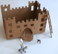Super simple, en plus :-) via La cabane Cardboard Box Crafts, Cardboard Castle, Cardboard Toys, Paper Toys, Games For Kids, Activities For Kids, Crafts For Kids, Forts En Carton, Diy With Kids