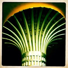 una simple columna del palacio de bellas artes...