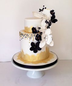 Black & gold cake by happyhillscakes.co.uk