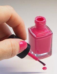 Healthylifestylehome🇮🇳🇮🇳🇮🇳: Nail health :: नेल पॉलिश रिमूव करें और देखे कैसी है आपकी सेहत Best Nail Salon, Best Nail Polish, Pink Acrylic Nails, Pink Acrylics, Pedicure At Home, Manicure And Pedicure, Mani Pedi, Best Beauty Tips, Beauty Hacks