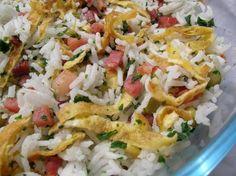 Recette riz cantonnais à la réunionnaise par Mariannick : Voici une des savoureuses recettes de mes amies de Saint-Pierre de la Réunion..Ingrédients : riz, oeuf, persil, petit pois, lard fumé