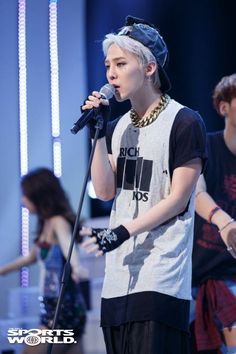 G-Dragon performs 'Crooked' on M! Countdown (130926)