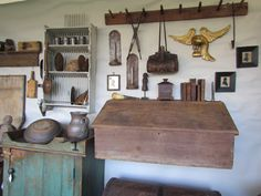www.daysofthepioneer.com  An Antique Show at the Museum of Appalachia!