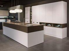 Cocinas de diseño en Madrid. Armarios y vestidores. Puertas. Librerias Home Decor Kitchen, Interior, Kitchen Cabinets, Kitchen Trends, Kitchen Decor, Interior Design Kitchen, Home Decor, Home Kitchens, Kitchen Design