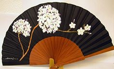 Japanese Quilt Patterns, Japanese Quilts, Antique Fans, Vintage Fans, Painted Fan, Hand Painted, Tattoo Templates, Chinese Fans, Umbrella Art