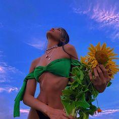 Glam Photoshoot, Photoshoot Concept, Photoshoot Themes, Black Girl Aesthetic, Summer Aesthetic, Aesthetic Photo, Picture Poses, Photo Poses, Photo Shoot