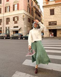 130 stylish street style looks for exceptional eid outfit ideas – page 1 Hijab Chic, Hijab Elegante, Modest Fashion Hijab, Modern Hijab Fashion, Street Hijab Fashion, Casual Hijab Outfit, Hijab Fashion Inspiration, Muslim Fashion, Mode Inspiration