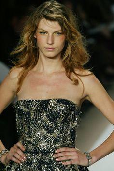 Oscar de la Renta Runway Hair and Makeup | POPSUGAR Beauty