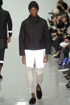 See all the Collection photos from Agi & Sam Autumn/Winter 2014 Menswear now on British Vogue Fall Winter 2014, Autumn Winter Fashion, Winter Style, Vogue Paris, Chic For Men, Fashion Show, Mens Fashion, Fashion Design, White Fashion