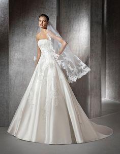 ZINAIDA - Strapless princess wedding dress | St. Patrick