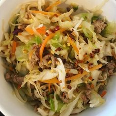 Spicy  Eggroll in a bowl for lunch today. I sauté my ground turkey and cabbage in toasted sesame oil then season to taste with garlic ginger soy sauce and crushed red pepper. Caliente ! #weightlossfood #eggrollinabowl #fitafter40 #fitover40 #fitover40females #proteinlunch #fuelpull