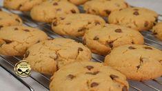 Σήμερα φτιάχνουμε εύκολα και γρήγορα σπιτικά cookies! Είναι πολύ γευστικά και ταιριάζουν τέλεια με τον απογευματινό μας καφέ, το γάλα αλλά και το σχολείο! Δοκιμάστε τα! Υλικά 1 αυγό 130 γρ ζάχαρη 150 γρ βούτυρο 300 γρ αλεύρι που φουσκώνει Greek Desserts, Cookies, Biscuits, Food And Drink, Sweets, Fruit, Crack Crackers, Crack Crackers, Gummi Candy