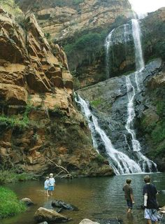 Vyf heerlike piekniekplekke in Gauteng Hiking Spots, Hiking Trails, Beautiful Scenery, Beautiful Landscapes, Natural Waterfalls, Africa Destinations, Adventure Is Out There, Countries Of The World, Picnics