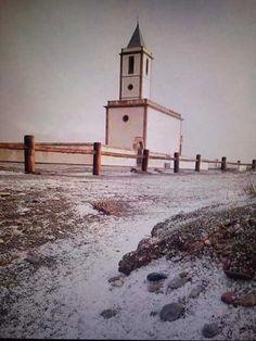 Nieve Cabo de Gata. Han pasado 25 años para que alguien volviera a ver cubierta de nieve la sierra de Cabo de Gata, unas imágenes e