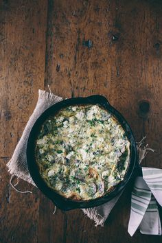 This mushroom herb goat cheese frittata is packed full of fresh grown AeroGarden herbs, Greek yogurt, tangy goat cheese and caramelized mushrooms. Hello breakfast deliciousness!