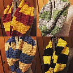 harry potter scarf crochet pattern – Knitting Tips Crochet Geek, Crochet Gifts, Diy Crochet, Harry Potter Scarf, Harry Potter Crochet, Knitting Patterns, Crochet Patterns, Tsumtsum, Crochet Accessories