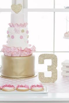 Pink & Gold Birthday Cake :: by The Confectioneiress  Styling by :: SmashCake & Co.    Full Party Feature on http://www.SmashCakeandCo.com