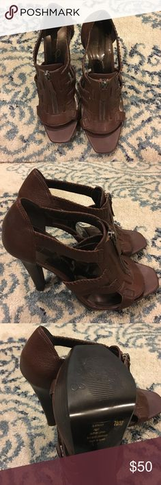 Brown Jessica Simpson heels Brown Jessica Simpson heel sandals. Almost perfect condition. These have been worn once. Jessica Simpson Shoes Heels