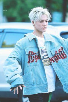 His blond hair is just so dangerous – unprofaned-trays Nct 127, Lucas Nct, Winwin, Taeyong, Fanfiction, Johnny Seo, Huang Renjun, Jeno Nct, Wattpad