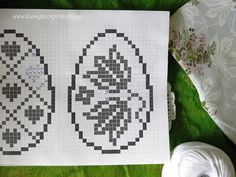 Filet Crochet, Crochet Doilies, Easter Crochet, Cross Stitch Flowers, Happy Easter, Free Pattern, Quilling, Diy, Cross Stitch Tutorial