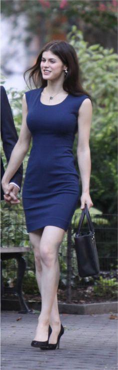 Alexandra Daddario plays Kate Moreau in White Collar