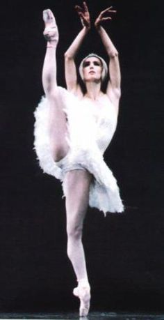 Sylvie Guillem as Odette in Act II of Swan Lake.