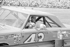 Richard Nascar Cars, Nascar Racing, Auto Racing, Race Cars, Richard Petty, King Richard, Daytona 500 Winners, Awesome Shoes, Car And Driver