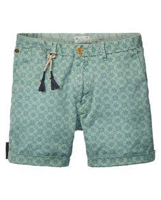 Chino-Shorts mit Allover Print | Kurze Hose | Herrenbekleidung von Scotch & Soda