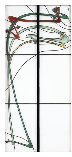 Hector Guimard 1867 - 1942 PAIRE DE VITRAUX, VERS 1897-1898 A PAIR OF STAINED GLASS WINDOW PANES BY HECTOR GUIMARD, EXECUTED BY GEORGES NÉRET FOR THE BILLIARD ROOM OF THE PHARMACIST ALBERT ROY AT 'LES GÉVRILS', LOIRET, FRANCE, CIRCA 1897-1898, EACH IN OAK PRESENTATION FRAME de forme rectangulaire, en verre à motifs sinueux de couleur bleu, jaune, brun-rouge et vert, la structure en métal ; présenté chacun dans un cadre en chêne Quantité: 2 Chaque panneau : 199,5 x 42,5 cm (78 1/2 x 16 3/4…