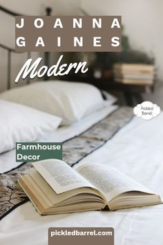 Joanna Gaines-inspired modern farmhouse decor ideas to inspire your modern farmhouse porch, living room and kitchen. #pickledbarrelblog #modernfarmhousekitchen #modernfarmhousedecor