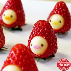 "How to make "" Strawberry Men"" Moso-Style いちごマン 作り方 Cute Food, Good Food, Kawaii Bento, Japanese Sweets, Fruit Art, Dessert Recipes, Desserts, Food Art, Sweet Recipes"