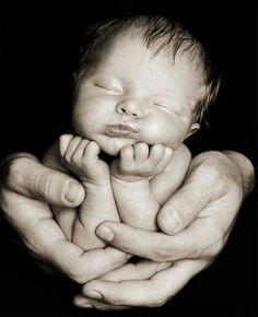 Great pose idea The post Newborn baby portrait. Great pose idea & Fotoideen appeared first on New . Foto Newborn, Newborn Baby Photos, Baby Poses, Baby Boy Photos, Newborn Poses, Newborn Pictures, Sibling Poses, Newborn Shoot, Newborn Baby Boys