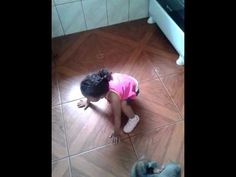 Agatha dançando quadradinho de 8!!! *-*
