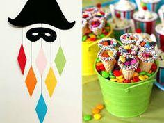 Resultado de imagem para Carnaval decoração de portas