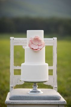 wedding cake, white, pink, magnolia, flower