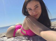 Angie Varona: http://imdbabes.com/web-celebs/angie-varona-web-celebrity/