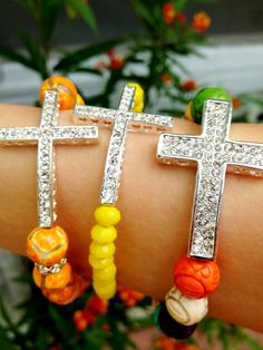 Trendy cross bracelets I made in Cracked agate, Lemon Crystals and Multi-color Howlite