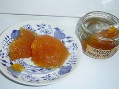 Recept na jablečnou marmeládu. Jablečná marmeláda není produktem, který by se v domácnostech v nějaké větší míře vyráběl. Jablečná