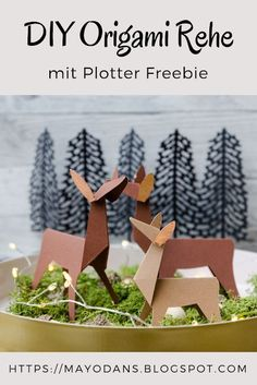 Basteln DIY origami deer and a plotter freebie for you Jewelry – Origami Design, Diy Origami, Origami Simple, Origami Mouse, Origami Star Box, Origami Butterfly, Origami Folding, Useful Origami, Origami Tutorial