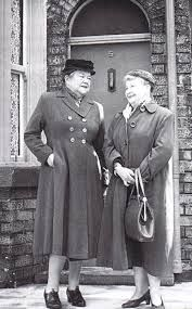 Ena Sharples & Minnie Caldwell In early Coronation Street. Played by Violet Carson & Margot Bryant. Vintage Television, Vintage Tv, Vintage Images, Coronation Street, Old Tv Shows, My Childhood Memories, Teenage Years, Classic Tv, My Memory