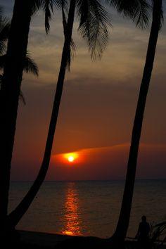 Sunset, Ban Tai Beach, Koh Samui, Thailand. Photo: Pat Hinsley