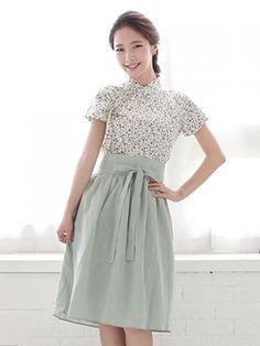 기본 레이아웃 Korean Dress, Korean Outfits, Traditional Fashion, Traditional Outfits, Korea Fashion, Asian Fashion, Modern Hanbok, Batik Dress, Dress Collection