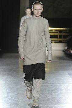 Rick Owens Men's RTW Fall 2014 - Slideshow - Runway, Fashion Week, Fashion Shows, Reviews and Fashion Images - WWD.com