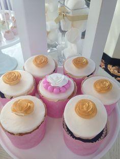 Blush gold and white -️sweet bar -bridal shower - Sweet Bar, Elegant Bridal Shower, Blush And Gold, Candy Buffet, Desserts, Food, Tailgate Desserts, Deserts, Essen